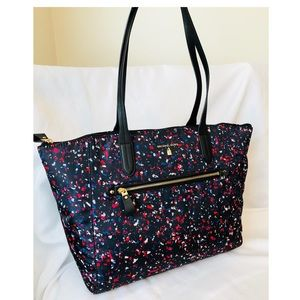 New Michael Kors Kelsey Tote in Black with Print!